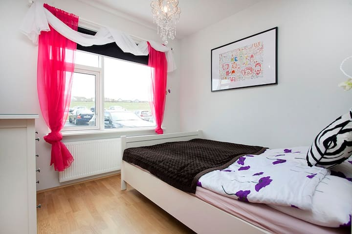Additional Bedroom with Double bed