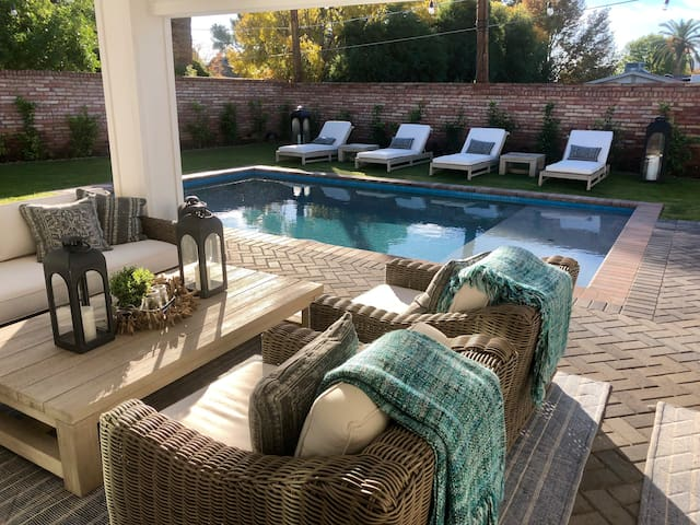 Stunning 4 Bed 3/12 Bath, Min to Old Town w/ Pool