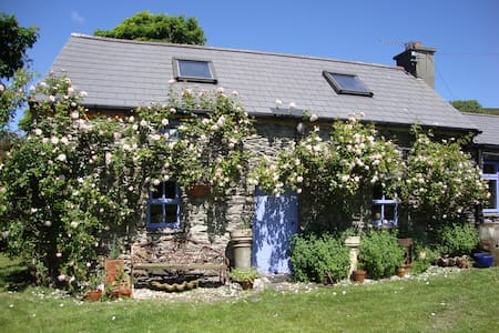 Traditional stone cottage - Ballydehob