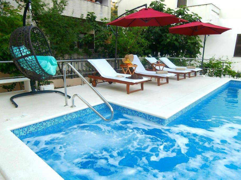 hydromassage swimming pool