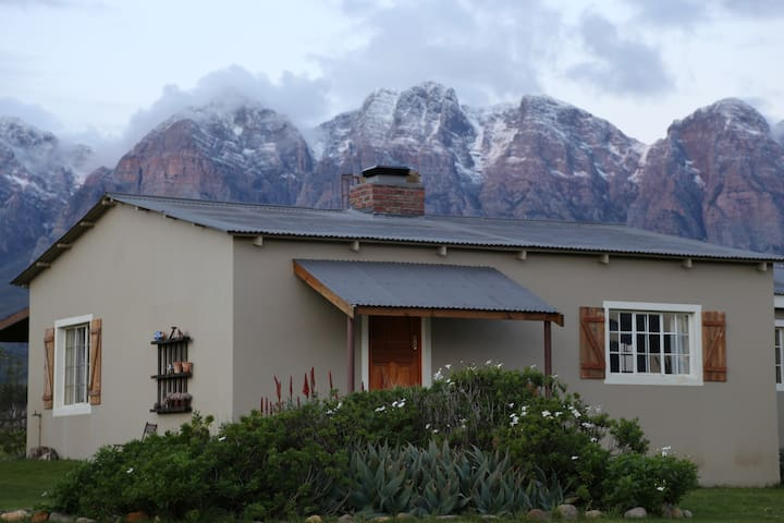 Merlot Cottage - on a wine farm, magnificent views - Wolseley - House