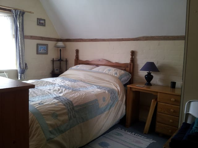 Rm Cottage nr Bedford TVNetflix Fibre Wifi Parking