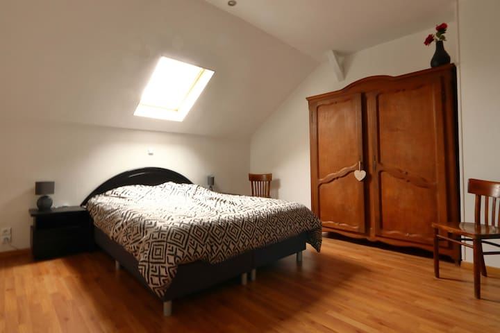 Double bed 1.60m