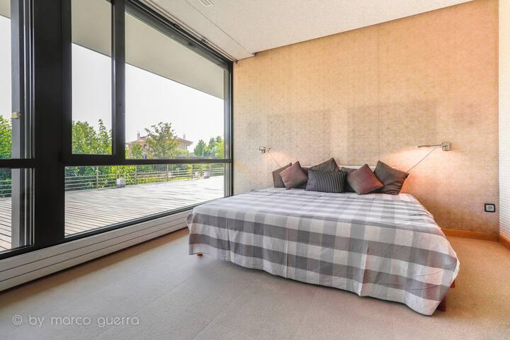 Suite con baño, vestidor y piscina climatizada