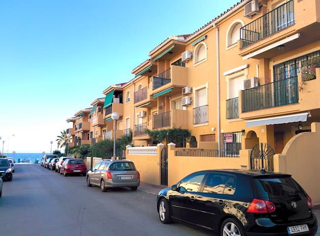 Big terrace 50meters from the beach, WIFI, parking - Rincón de la Victoria - Leilighet