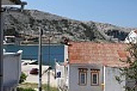 A4 - Metajna - Apartment