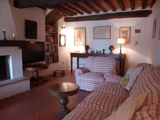 Appartamento in borgo toscano!!! - Iesa - Lejlighed