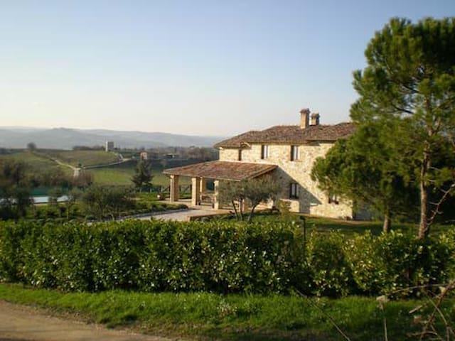 bellissimo casale con vista - Todi - Villa
