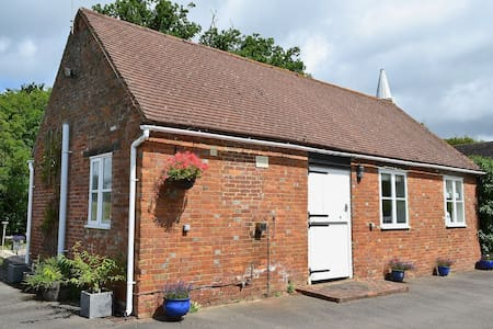 Stunning  one bed cottage within private grounds - Rolvenden - Banglo