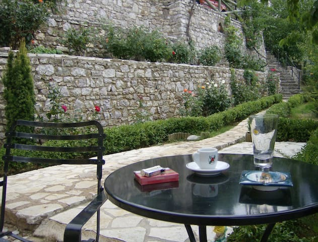 COUNTRY HOUSE FOR RENT  AT PYRGAKI