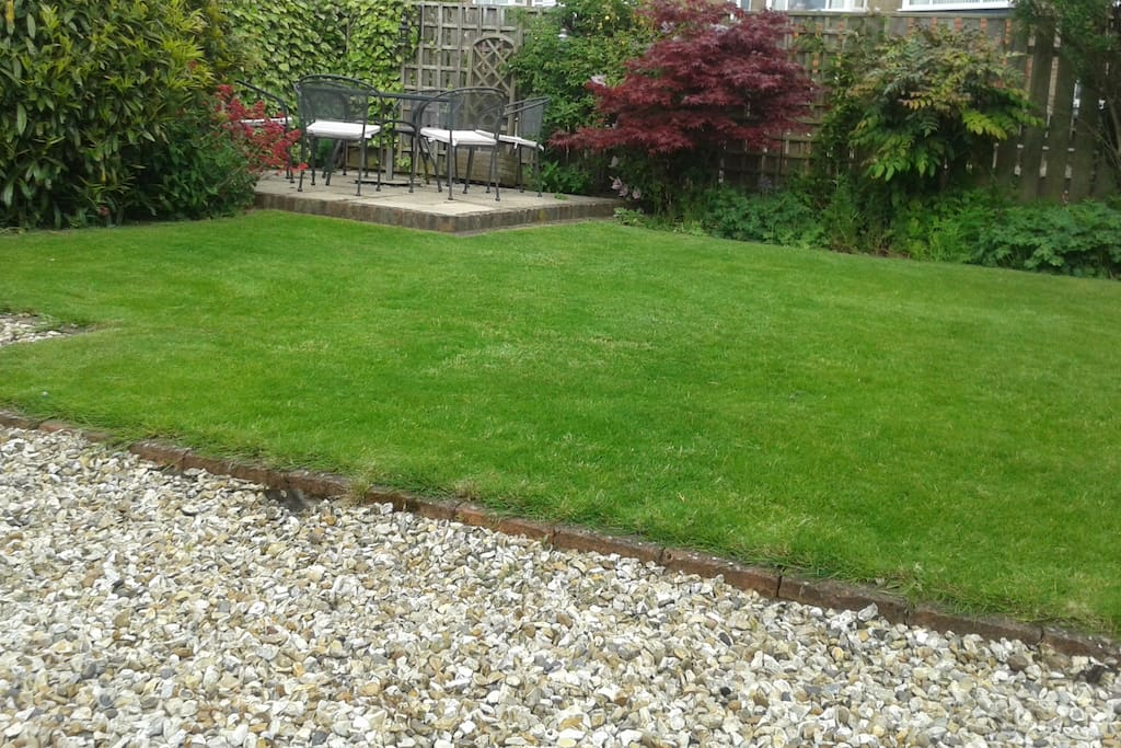 Nice garden to relax in if the weather is nice