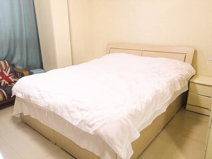 王府井智能公寓精装大床房