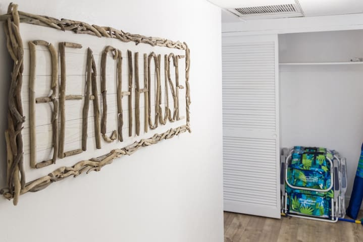 Beachouse ready :) Just bring your toothbrush