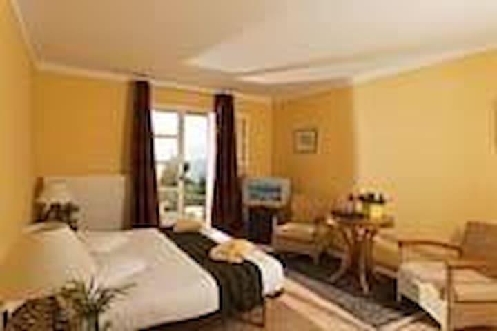 2 chambres et 1 suite - Sault - Villa