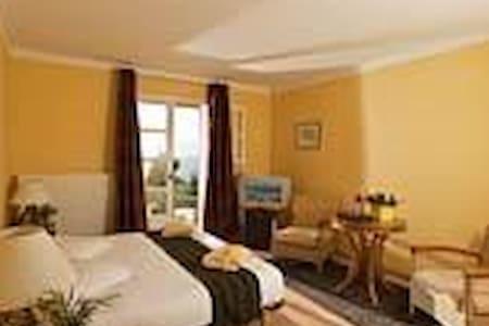 2 chambres et 1 suite - Sault