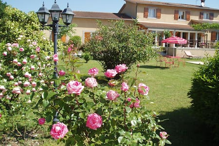 Large Room for B&B in South Ardèche - Bed & Breakfast