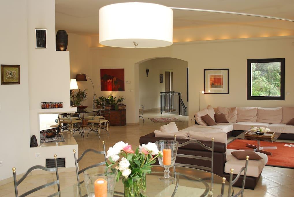 Spacieuse villa pr s aix en pce huizen te huur in for Open the door salon de provence