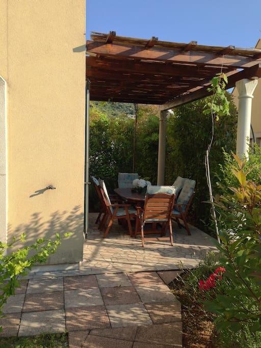 Villa Arann-Front Terrace