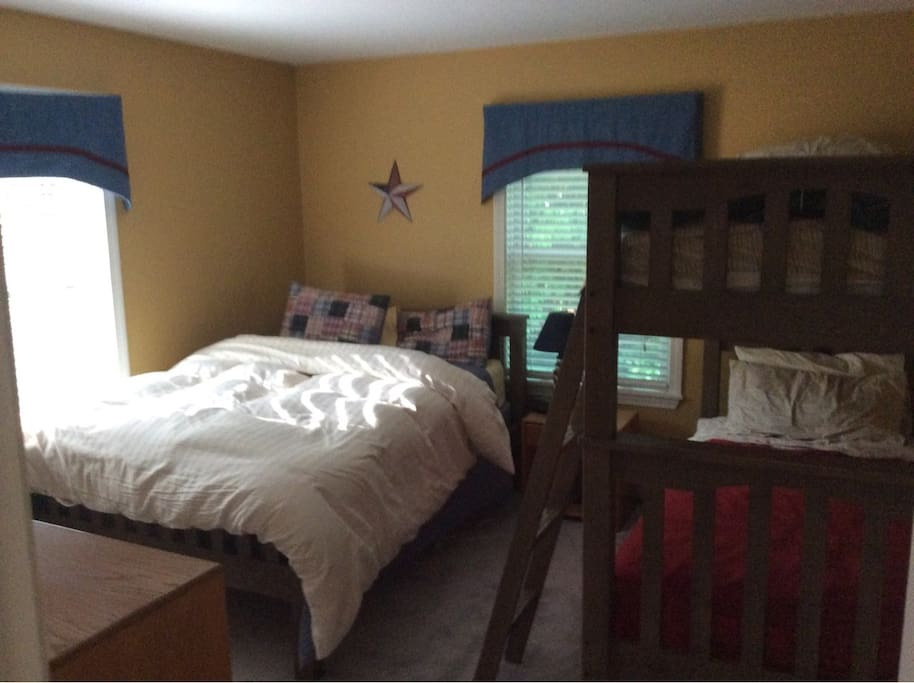 Guest room, double plus bunks for the kids!