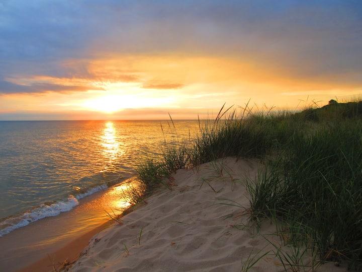 Lake MI Sunsets: Rekindle Love & Romance - Unwind!