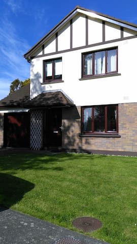 Semidetached house with garden - Onchan - Casa