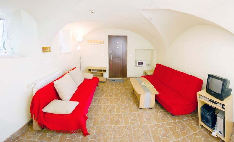 Red Apartment - Snug burrow - Bled - Pis