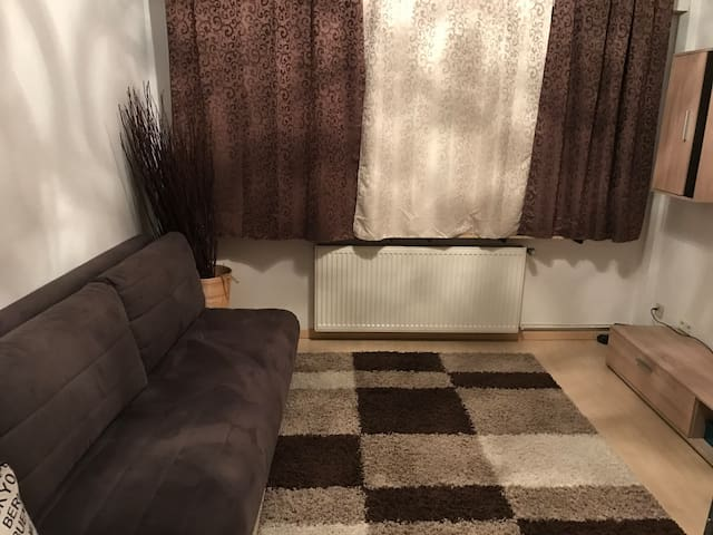 Schöner Apartment in ruhiger Lage mit eigener EG - Hilden - Apto. en complejo residencial