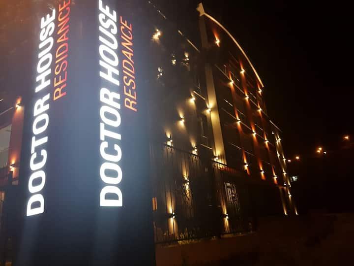 Doctor House Residence