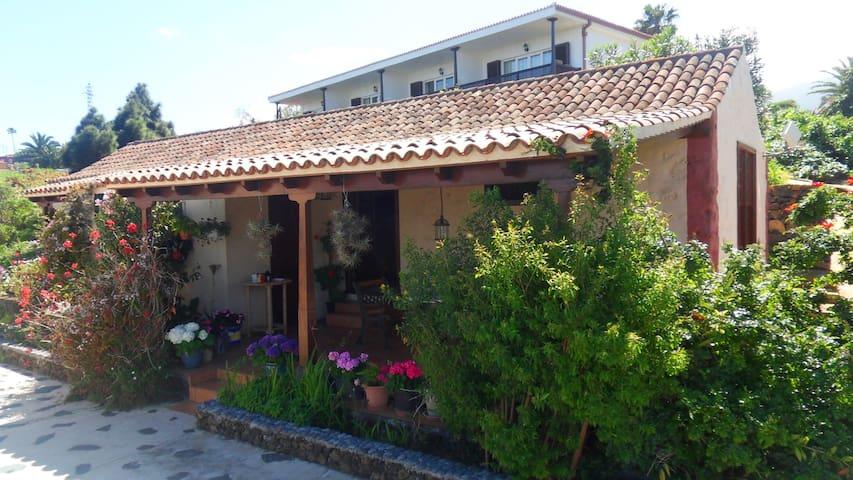 Casa con vista al mar y piscina - Breña Alta - Talo