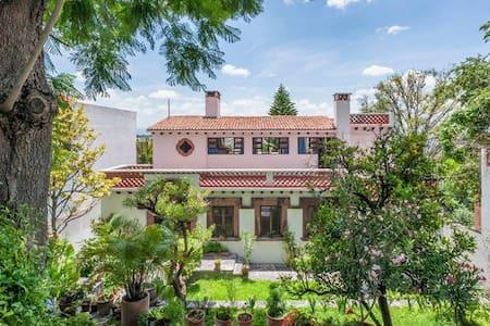 Casa Grande on Chorro, Lots of light, big gardens - San Miguel de Allende