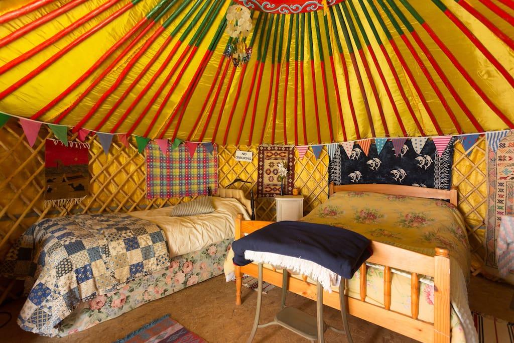Luxurious 4 Person Mongolian Yurt Yurts For Rent In Tuam