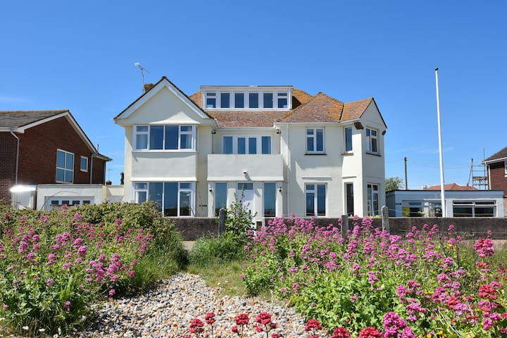Great family home on the beach.
