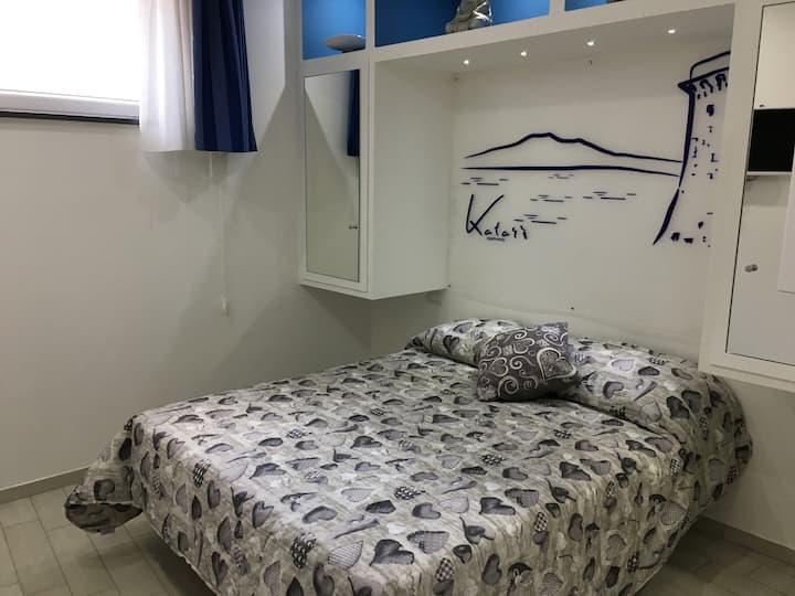 """Katarì"": studio flat between Sorrento and Pompeii"