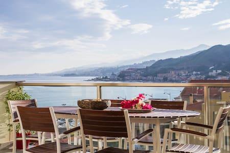 Modern Design Apartment With Balcon - Messina - Apartment