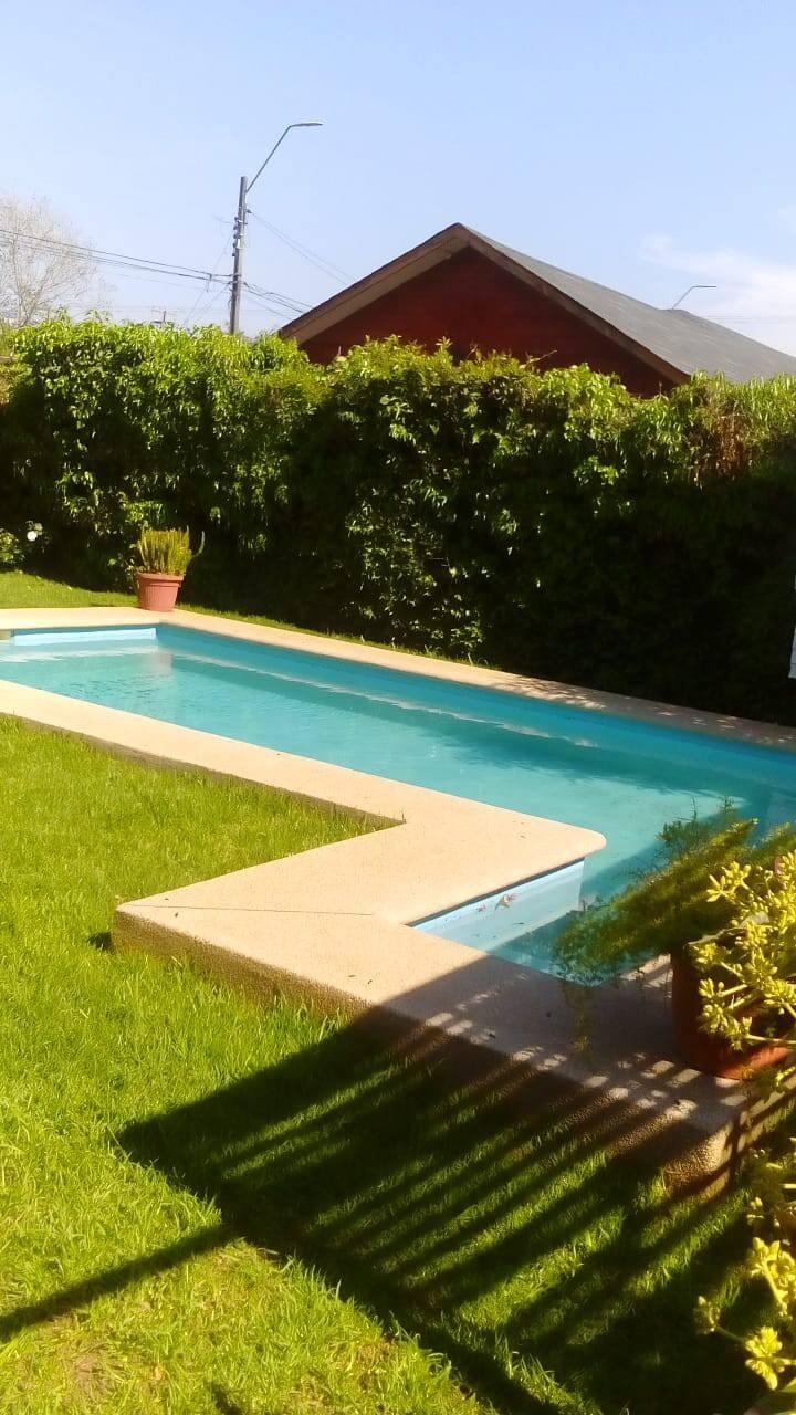 Casa con piscina en limache