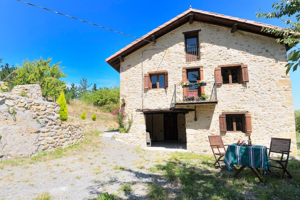 Caser o en la costa vasca ebi0028 casas en alquiler en - Caserio pais vasco ...
