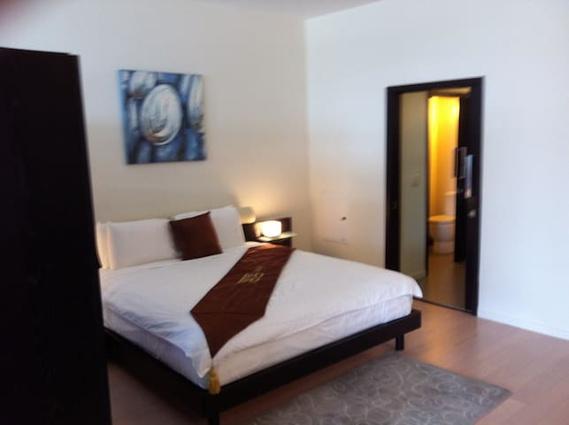 Fully furnished 1 bedroom!