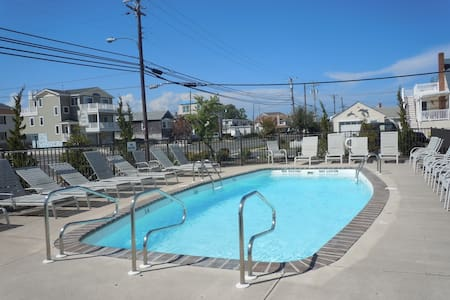 Amazing 2 BR, 1.5 Bath LBI Condo w/POOL! - Ship Bottom - Συγκρότημα κατοικιών