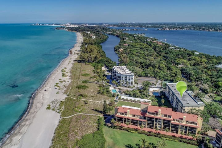 Private Beach, Private Access, Incredible Ocean/Beach Views Throughout, WiFi/Cable, Gourmet Kitchen