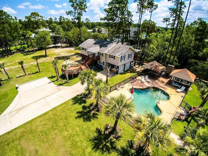 The Hideaway at Pass Christian (MS) *PRIVATE POOL