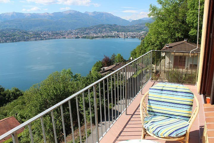 The Lake and its absolute quietness - Caprino/Lugano - Appartement