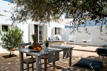 GUEST HOUSE TWO STEPS FROM THE SEA - Cala Ratjada - Casa