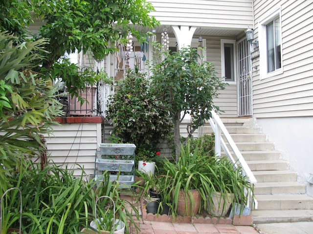Tranquility Gardens - Los Angeles - Bed & Breakfast