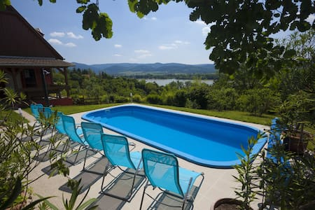 Near Budapest 6 rooms,pool,panorama - Zebegény - 一軒家