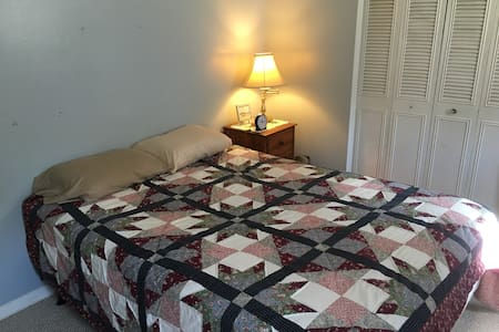 Cozy Room in a 3 bedroom ranch - หาดเวอร์จิเนีย - บ้าน