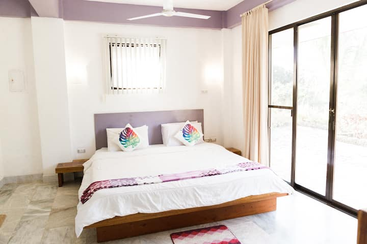 COMFORTABLE and MODERN APARTMENT in BOHOL