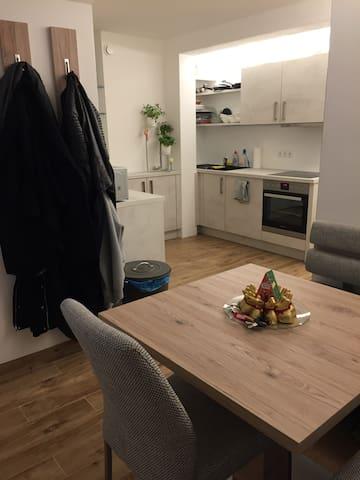 Sitzecke in der offenen Küche  //  Seating area in the open kitchen space
