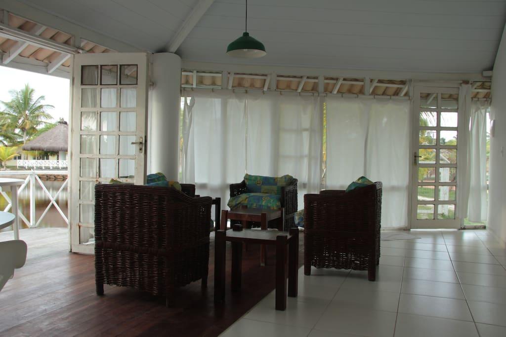 Vista da sala tirada da cozinha