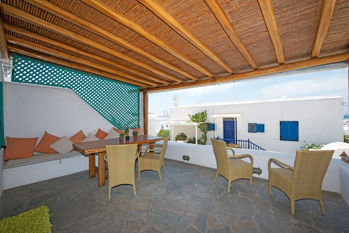 Cosy 2BD House Mykonos Town Best Location