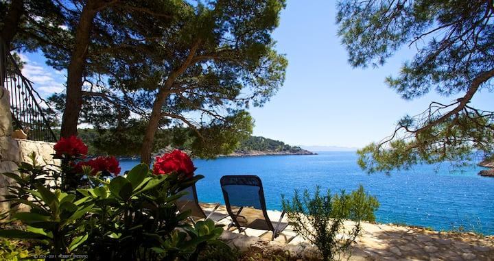 Beach Front Villa, Garden, Quiet Bay, Boat Mooring